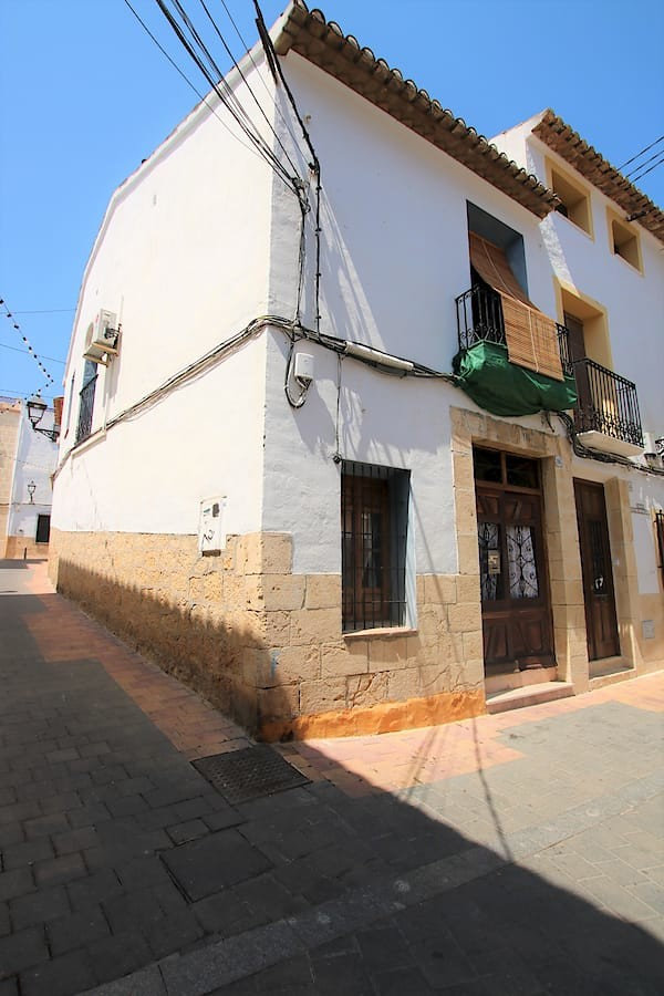 Reformed Town House In La Nucia